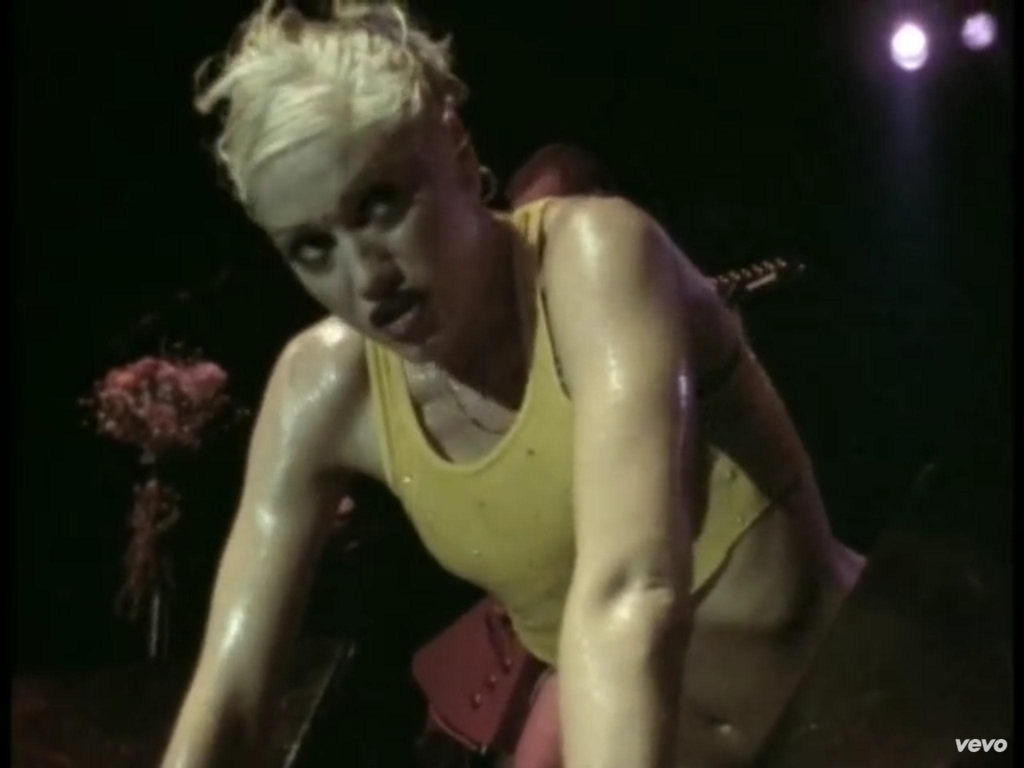 Gwen Stefani sweating Babiana.