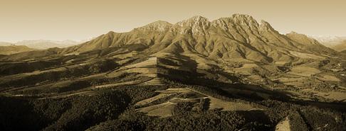 The Mountain that is Simonsberg.